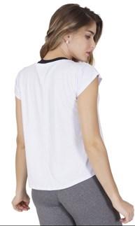 Blusa fitness em malha furadinha com detalhe customizado V50.B