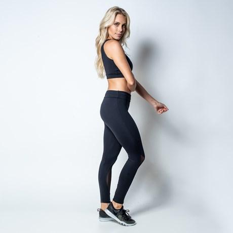 Calça fitness em suplex liso com cós alto e telinha na canela V03.D