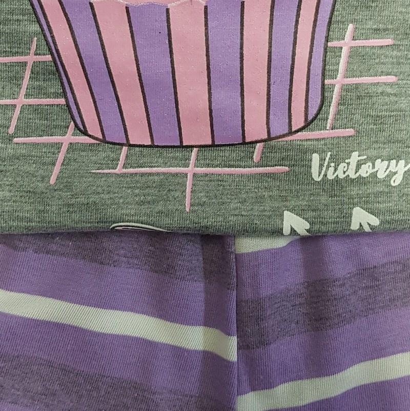 Short Doll Camisa Manga Curta em Malha PV com Estampa e Detalhe Bolso L08.C CINZA C LILAS